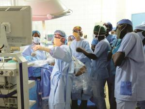 teaching, medical students, operating, surgery