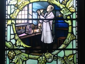 Stained glass window, Alexander Fleming, penicillin