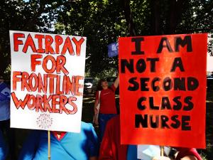 Auckland fair pay nurse strike placards 9 Nov 2020