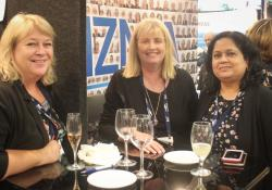 Libby Thomas, MPS, Debra Leutenegger, Breast Cancer Foundation NZ, Sangeeta Shah, Medtech